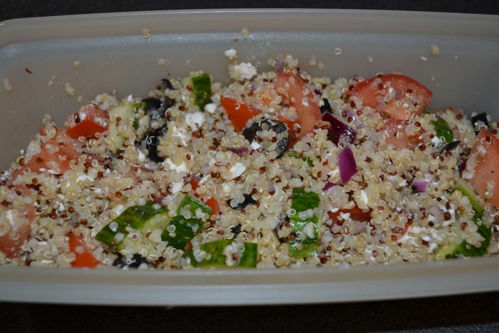 Quinoa Greek Salad Recipe (2/3)
