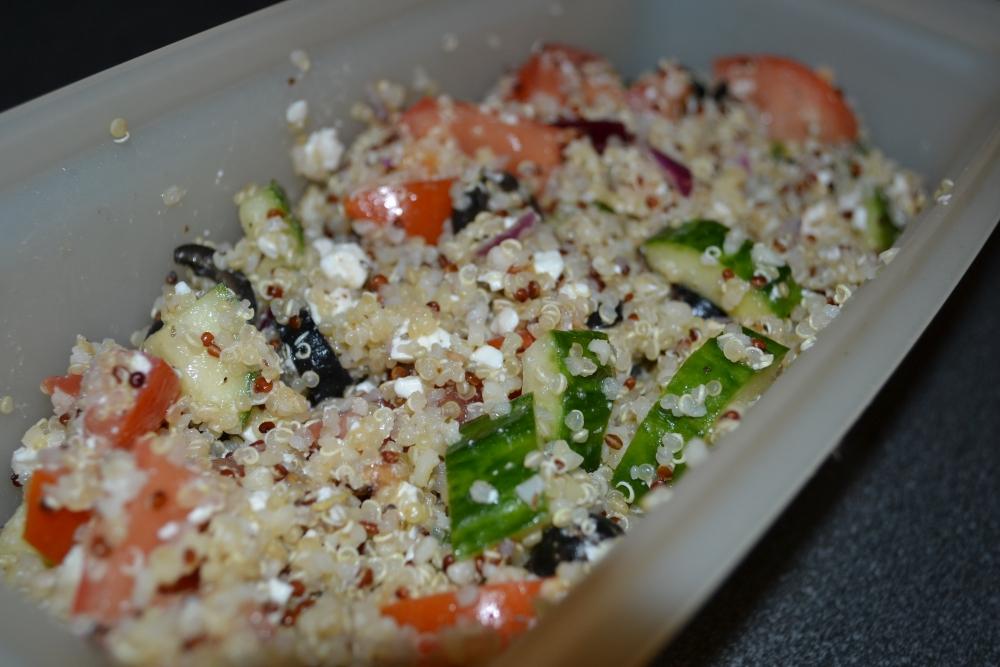 Quinoa Greek Salad Recipe (1/3)